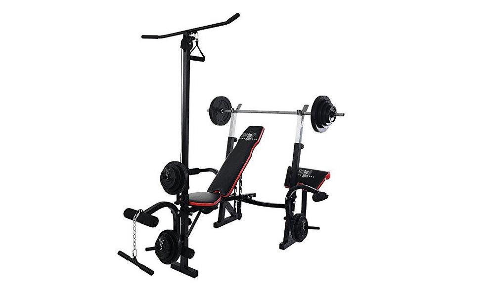 Verschiedene Übungen mit Trainingsbank bei Fitnesstraining
