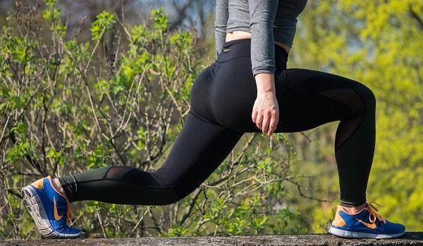 Ausfallschritte als Übung für Beine und Po